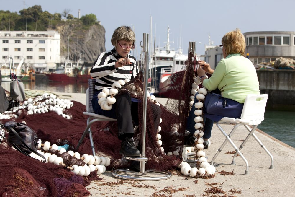 Rederas or women who repair the nets for fishing special anchovies