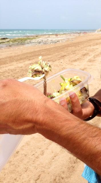 Ya en Bidart, la ensaladilla envidia de la playa