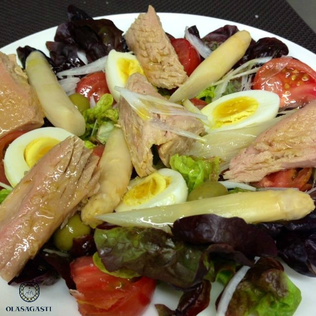 conservas_olasagasti_mixed_salad_white_tuna_bonito_del_norte_quality_canned_fish
