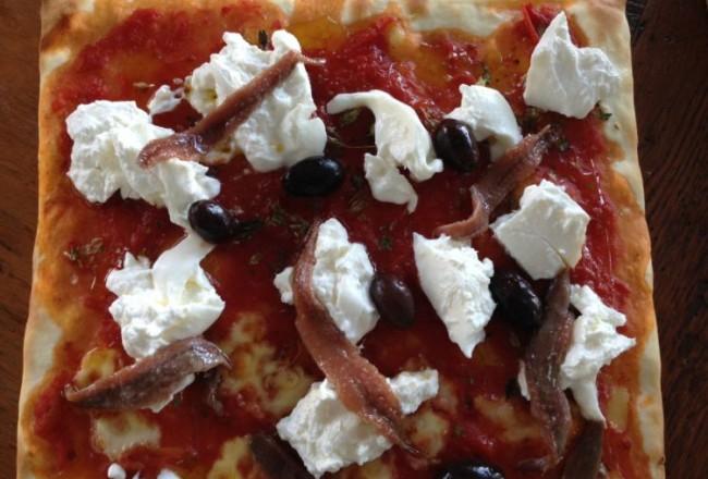 conservas_olasagasti_dentici_receta_pizza_burrata_anchoa_blog