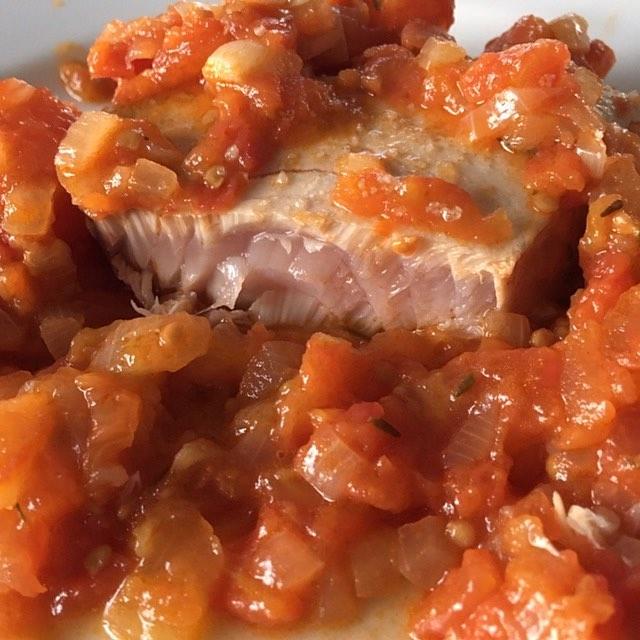 Bonito con tomate y cebolla Un clsico en plena campaahellip