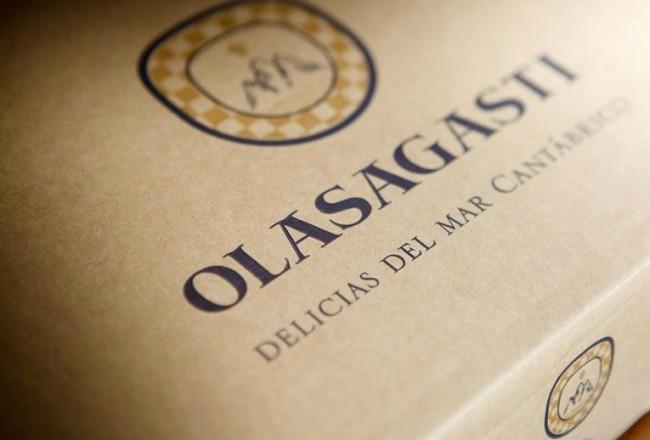 conservas_olasagasti_estuche_regalo_carton_reciclable_escudo_logo_artesano_diseño_portada