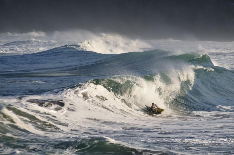 conservas-olasagasti-cantabrico-bakio-mar-bodyboard-baño-sport-bonito-del-norte