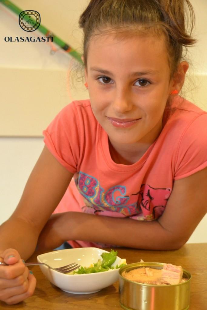 conservas-olasagasti-recetas-de-niños-atun-calidad-pintxo-tomate