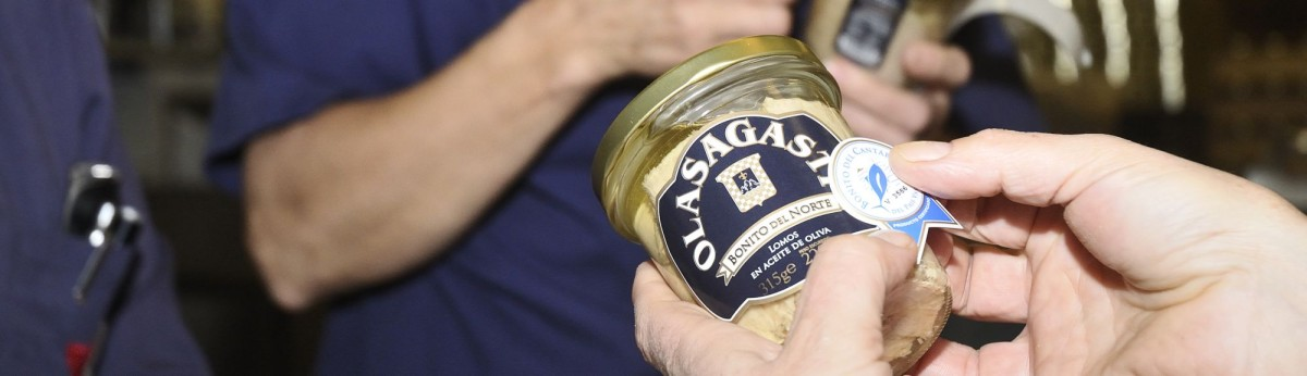 conservas_olasagasti_basque_label_white_tuna_quality_canned_fish