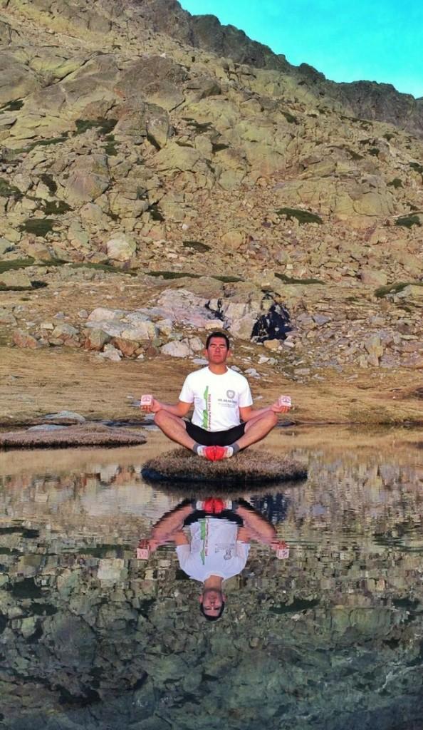 camiseta inimitable Olasagasti en la montaña con Kaiku.
