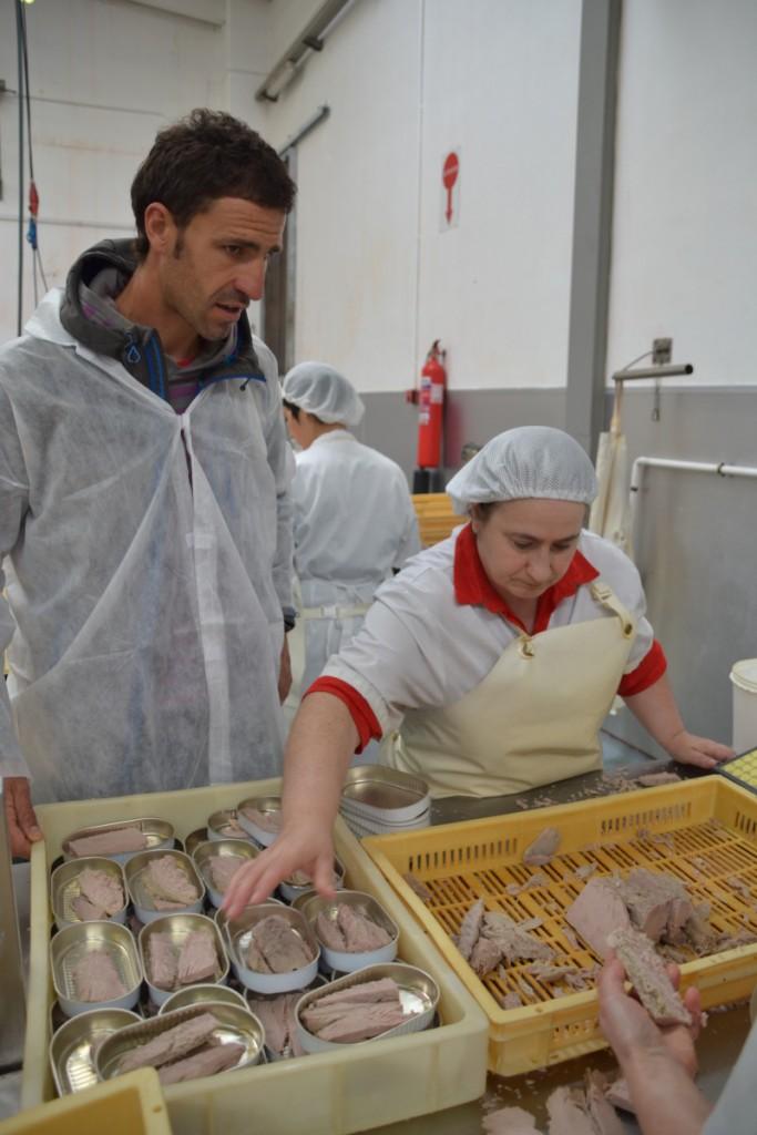 Atún con salsa de tomates secos en la visita fábrica recetas atun abrir y zampar