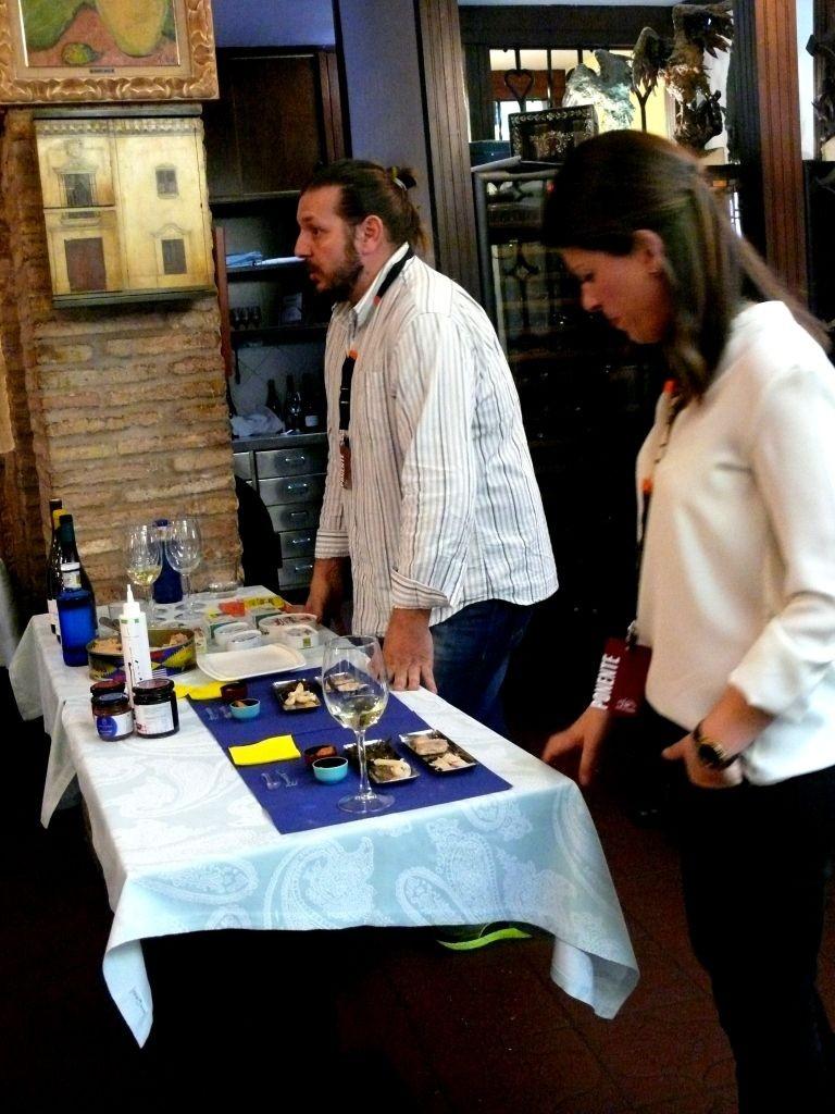 conservas-olasagasti-en-el-congreso-mujer-gastronomica-churrasco-cordoba-bonito-del-norte-recetas-tradicionales-jorge-guitian-eva-pizarro
