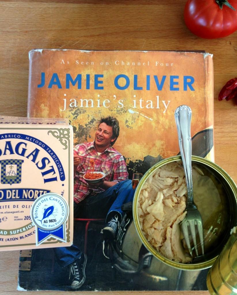 Entre las recetas de Jamie Oliver encontramos los spaghetti con bonito del norte
