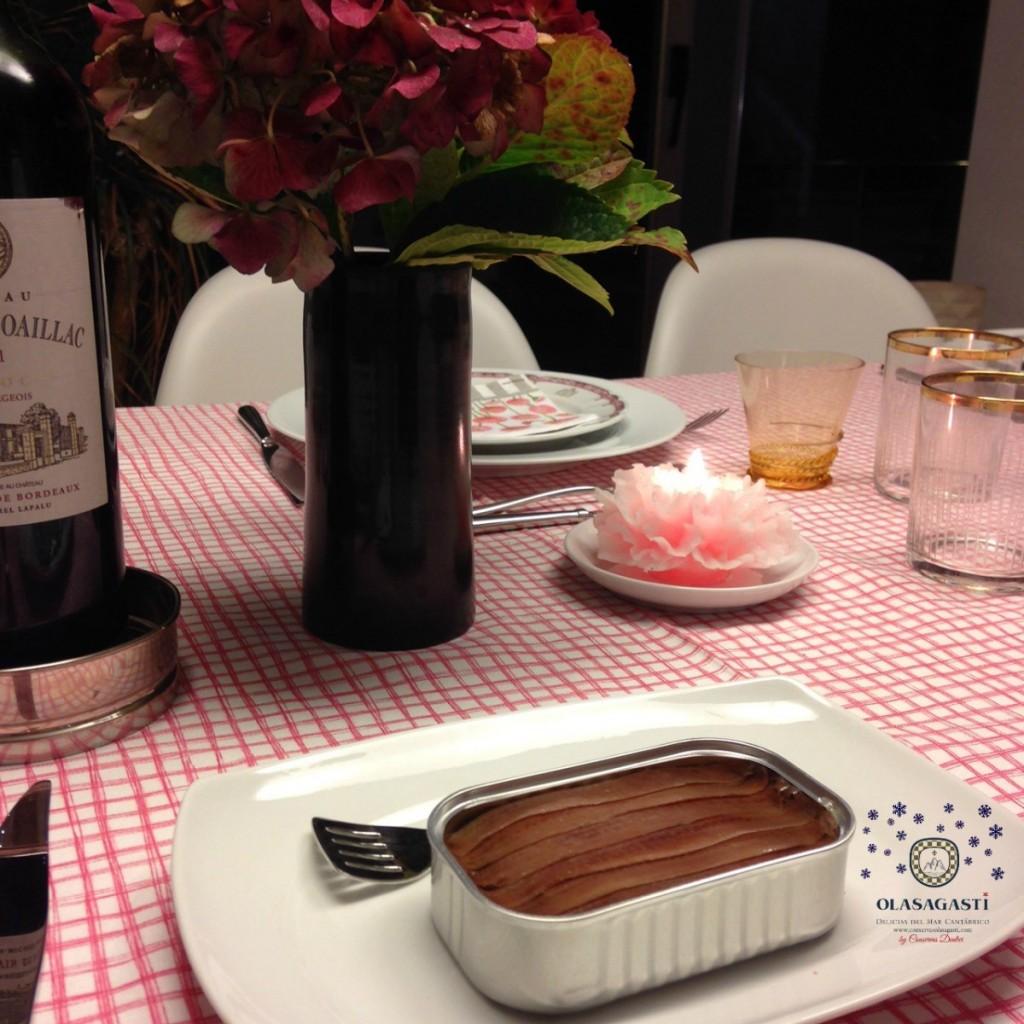 mesa-navideña-anchoas-osalagasti-conservas-calidad-recibir-invitados-feliz-año-olasagasti
