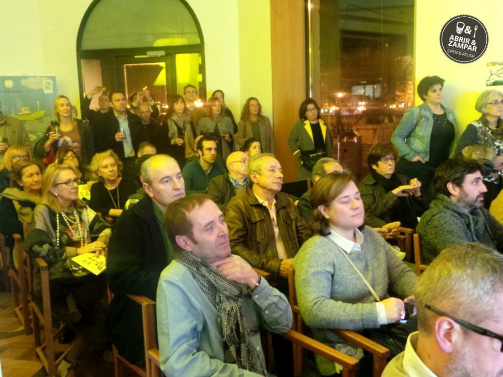 publico-presentacion-abrir-y-zampar-olasagasti-keler