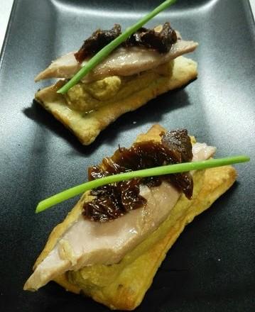 tosta-pizza-hummus-lentejas-receta-foodandcakes-conservas-olasagasti-bonito-del-norte-calidad-gemma-biosca