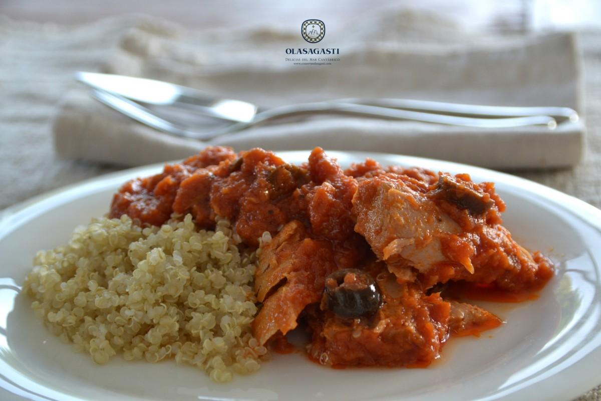 Quinoa con lomos de atún en salsa de tomates secos Olasagasti