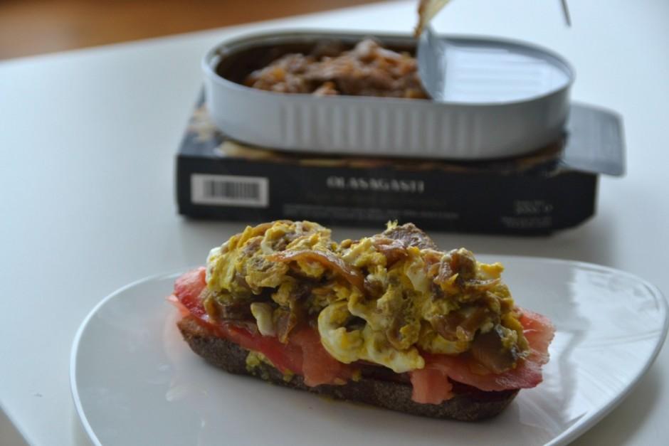receta de tosta de revuelto de atún encebollado Abrir y Zampar Olasagasti