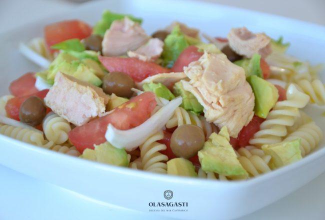 10 recetas contra el calor: Ensalada fresca de pasta y bonito del norte