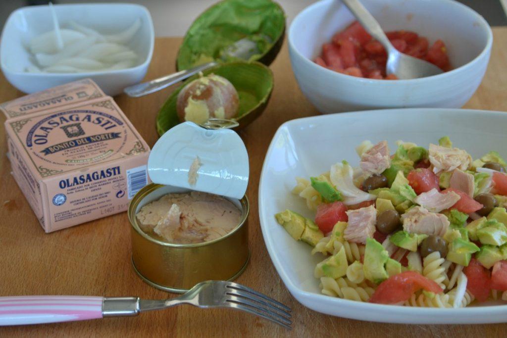 Ingredientes para la ensalada fresca de pasta