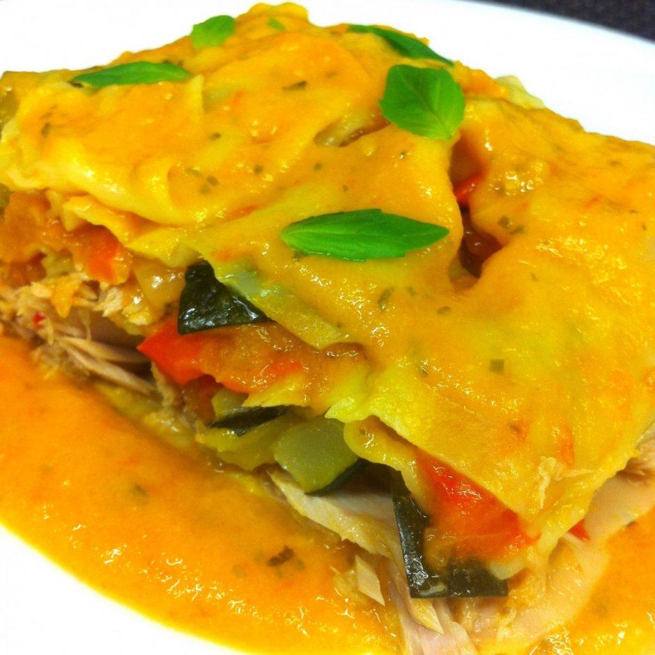 lasagna light sin bechamel, con verduras, tomate y atún al natural olasagasti