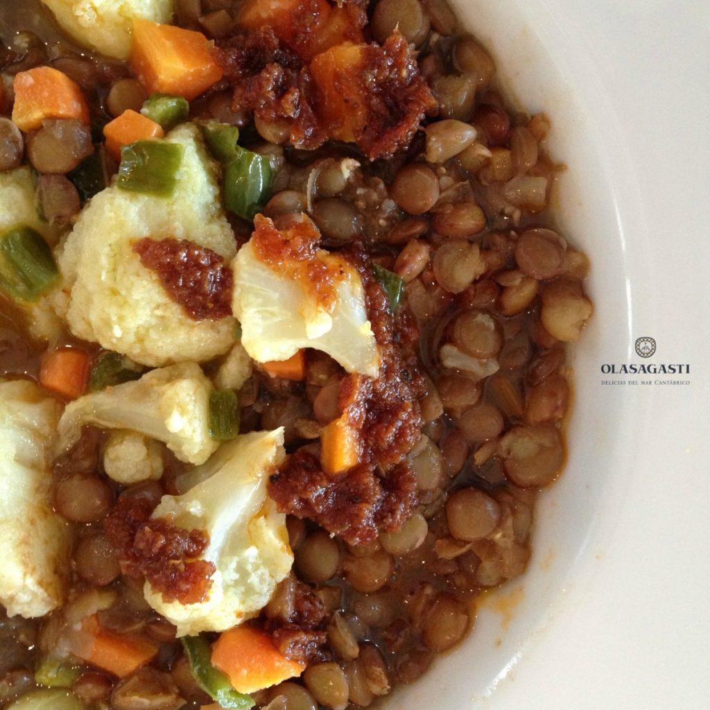 Lentejas con verduras y salsa de tomates secos Olasagasti en 4 platos para cuando estás enfermo