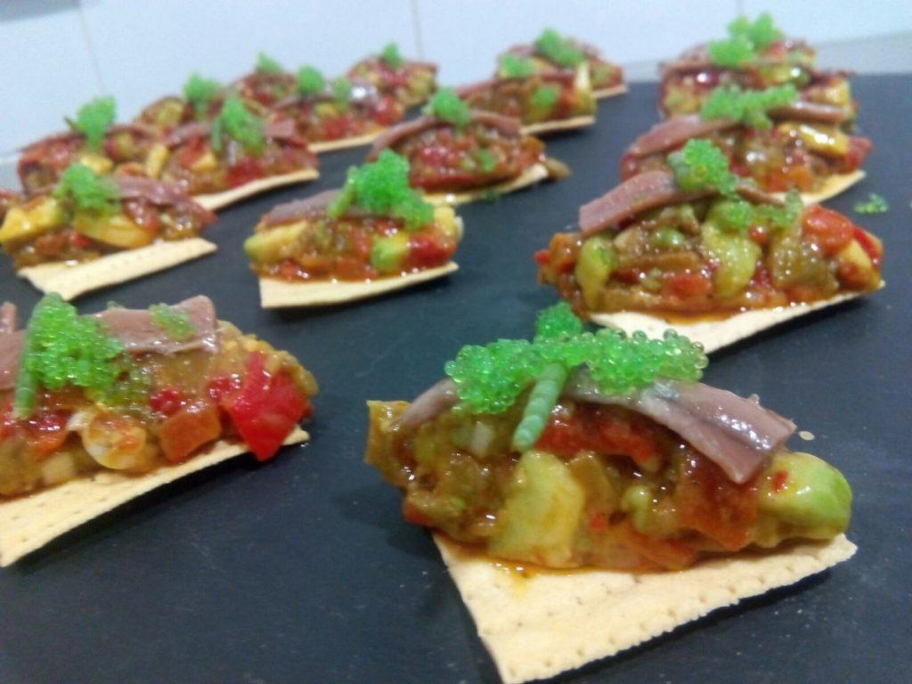 Pintxo de piñaraca y anchoa del cantabrico olasagasti encuentro de blogueros cocineros de Cádiz