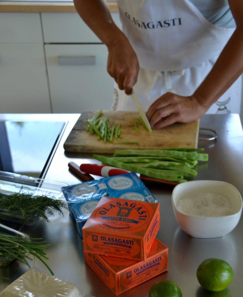 Ingredientes de la ensalada de vainas y atún rojo con yogur