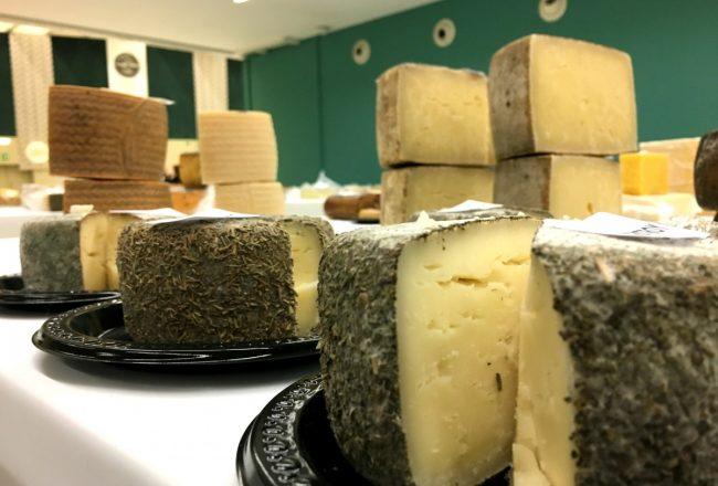 Exposición de quesos en el International Cheese Festival de Sn Sebastián
