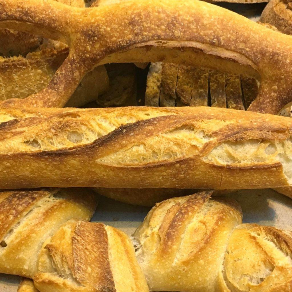 Variedad de barras de pan de El Horno de Babette