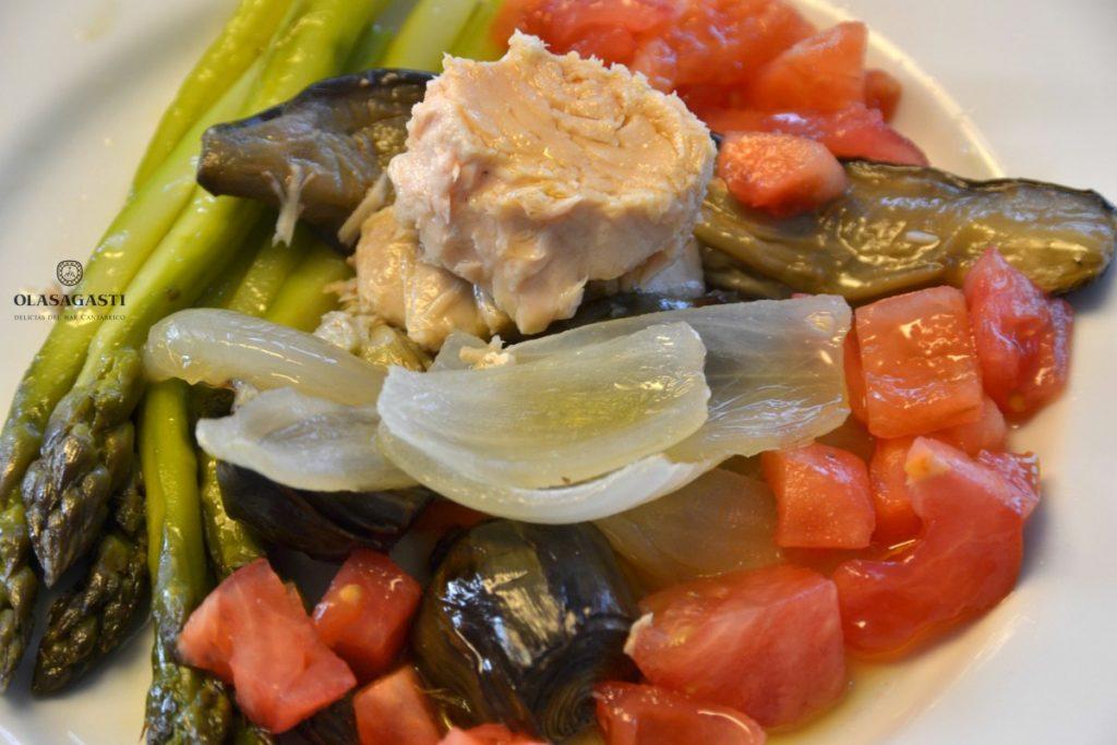 Las ensaladas son para el verano: Verduras asadas y bonito del norte Olasagasti