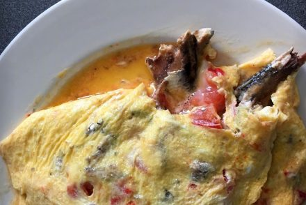 La tortilla de rechupete con anchoas al ajillo Olasagasti