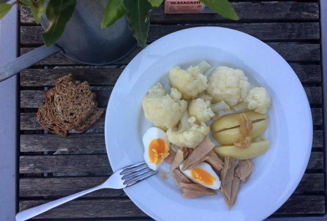 Plato de coliflor salteada con bonito del norte de conservas Olasagasti