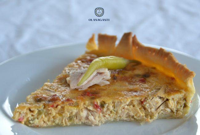 tarta vasca con bonito del norte olasagasti y guindillas