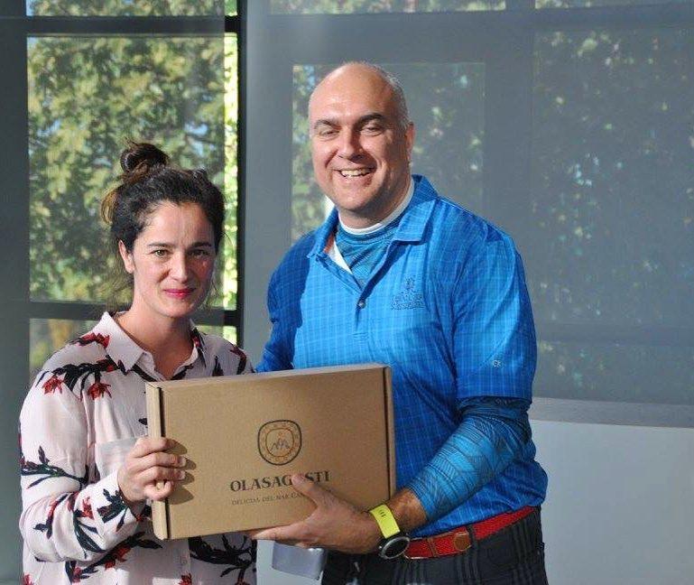 Premios que hace ilusin entregar Torneos de golf solidarios ahellip