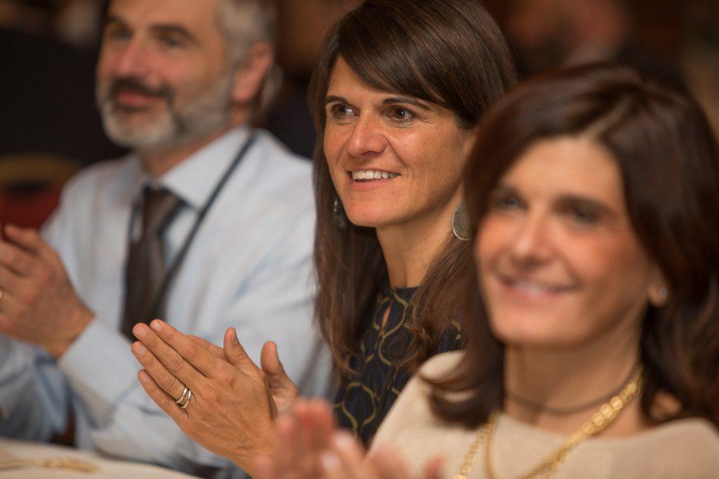 Familia en la entrega del premio a Olasagasti como mejor empresa española en Italia