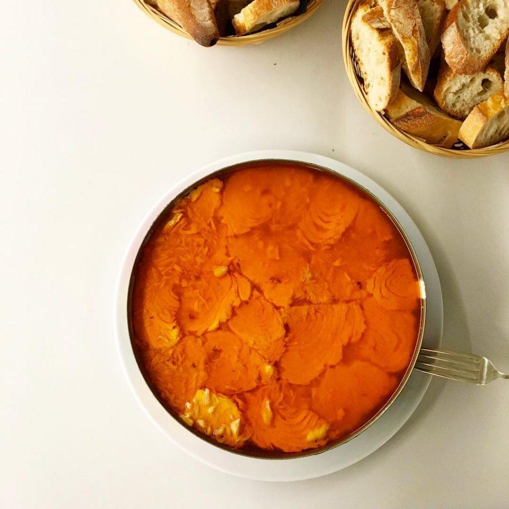 Pandereta de 18 kg de bonitodelnorte en salsa catalana Parahellip