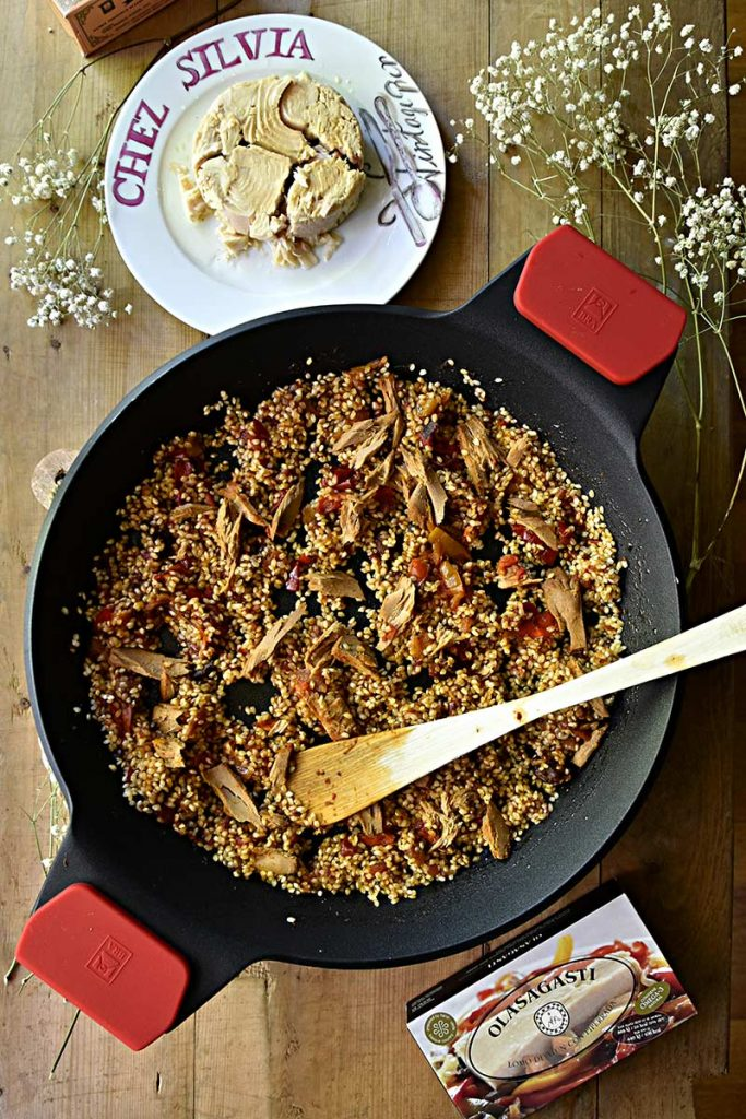 Latas de Atún con piperrada y bonito del norte en aceite de oliva Olasagasti para arroz con atún de chez Silvia