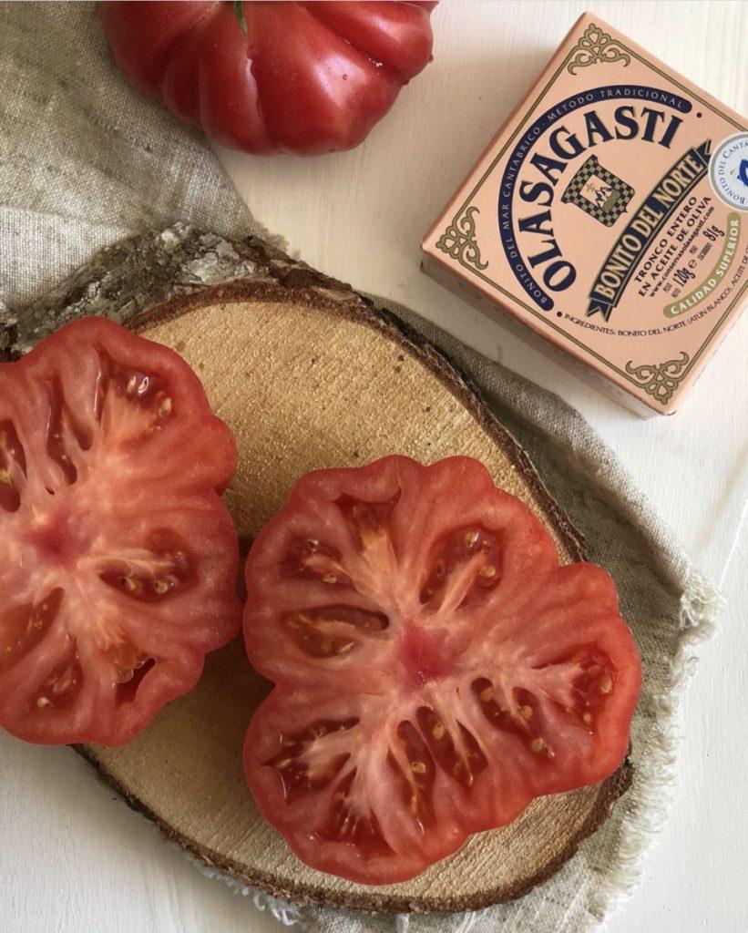 Tomate y bonito del norte Olasagasti para la mejor ensalada del mundo.
