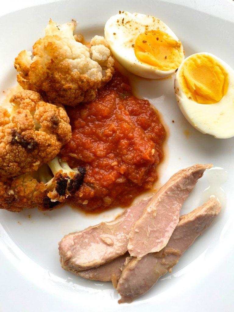 Coliflor, huevos, tomate y ventresca de atún Olasagasti