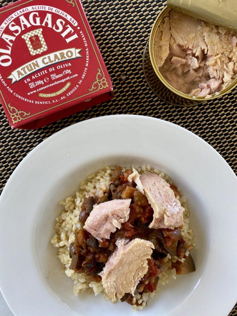 arroz, pisto y atún claro Olasagasti