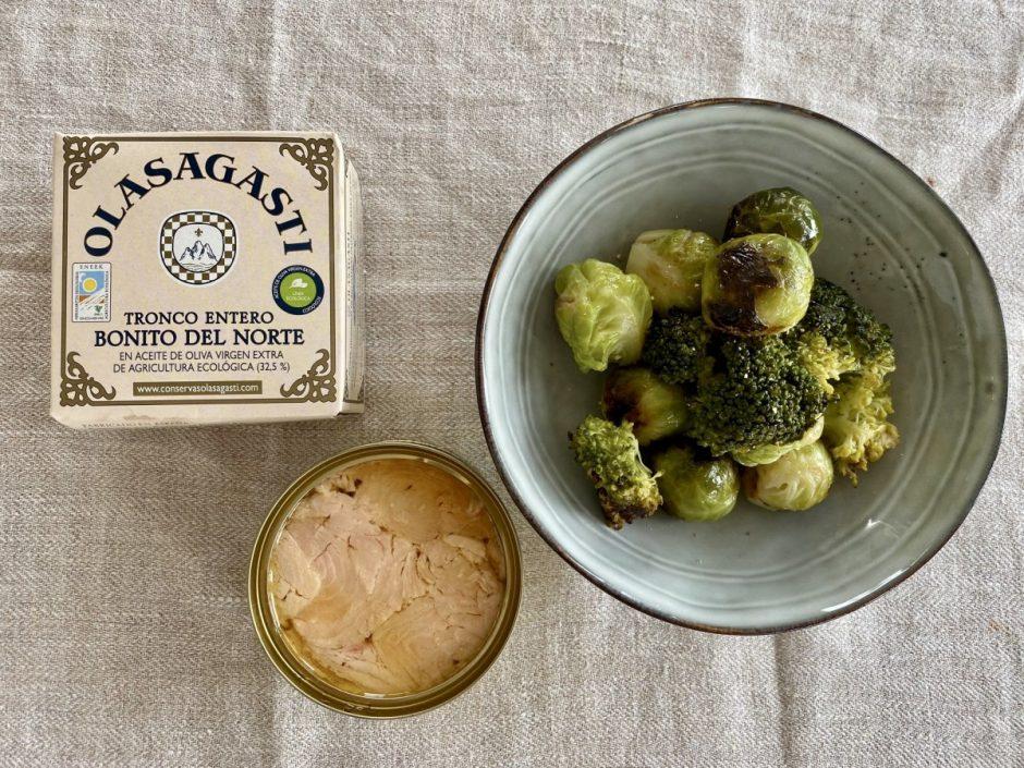 Coles y brócoli con bonito del norte ecológico Olasagasti